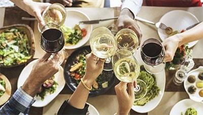 Как подобрать блюда к вину превью